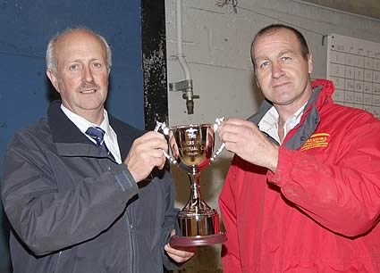 Bruces Hill Cattle Company and Farm Shop has presented a new cup to the NI Simmental Cattle Breeders' Club. Stephen Buick handed over the trophy to club chairman Nigel Glasgow.