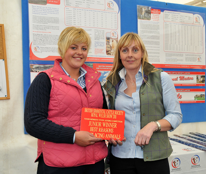 Angharad Francis receives the winner for Junior Reasons, presented by Sponsor Stephanie Denny of the Farmers Guardian