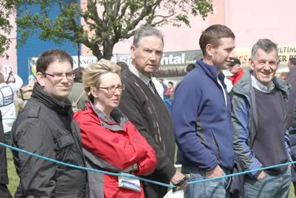 Spectators around the showring during the Simmental judging